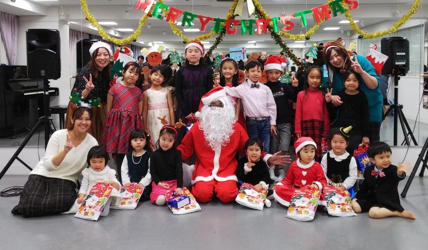 2018年12月に開催されたKMAリトミック教室クリスマス会の様子